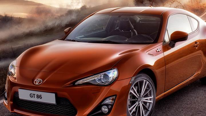 Front Pose 2012 Toyota GT 86 In Orange
